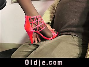 stellar Teeny entice An senior guy With Her perfect soles