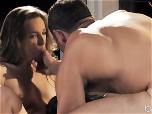 3some with manmeat craving Jaye Summers and Kimmy Granger