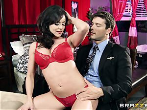fortunate fellow has awesome intercourse with killer milf Kendra fervor