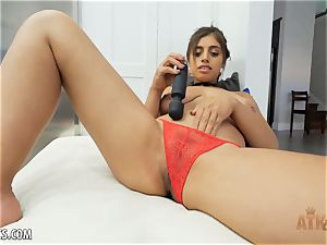 Exotic Ella Knox is smoking steamy playing with her plaything