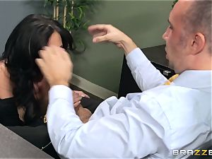 Jaclyn Taylor smashes her prospective boss
