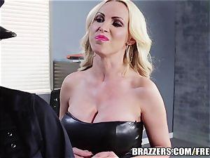 Brazzers - Rampant lezzie cops go at it
