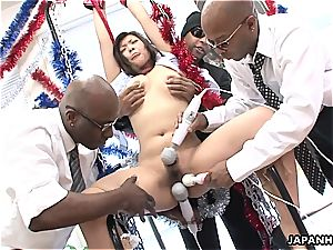 asian hoe screams as she gets toyed by black fellows
