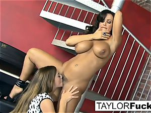 Taylor Vixen Gets insatiable With Lisa Ann