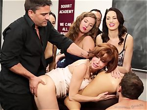 Veronica Avluv showcases steamy dolls how to bust