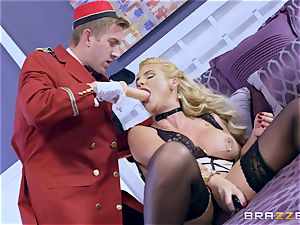 Real super-naughty cougar Phoenix Marie gets deep service in motel room