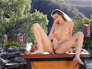 Stefanie fun enjoys steaming getting off in the open air