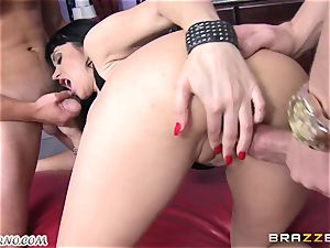 toasted cougar Eva Karera with meaty baps indulges on the party