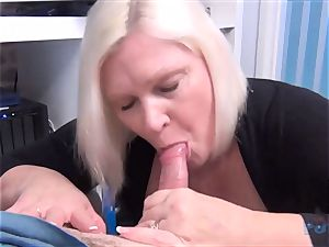 super-hot mummy Lacey Starr rod fellating
