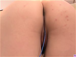 Rinka Aiuchi ravaged in the gash and made to swallow