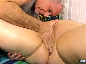 plumper Nikky wilder pleased by a masseuse