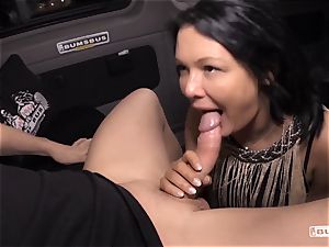 culos BUS - Bus pound and facial with buxomy German mummy