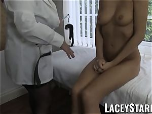 LACEYSTARR - splendid cootchie inspected by doctor GILF