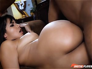 Rose Monroe is pissed off but fixes it with angry lovemaking