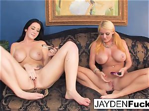 Jayden enjoys to lick Sophie's cooter