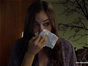 gorgeous Sasha Grey bares her smallish funbags