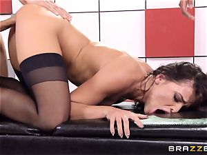 Adriana Chechik plumbs 3 sausages at once