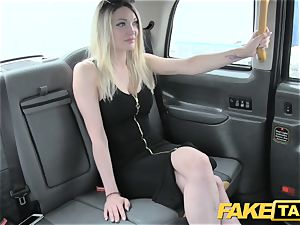 faux taxi super super-fucking-hot blondie with a excellent figure loves penis