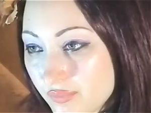 mischievous honey show her mouth-watering beaver