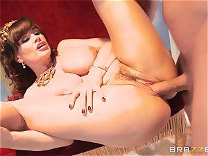 Divine mature Lisa Ann tests yam-sized sausage on Olympus