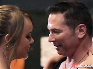 Alexis Adams gash wrinkled in the boxing ring by humungous weenie
