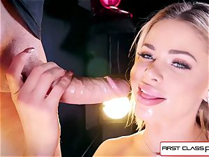 witness Jessa Rhodes taking a phat wood down her throat